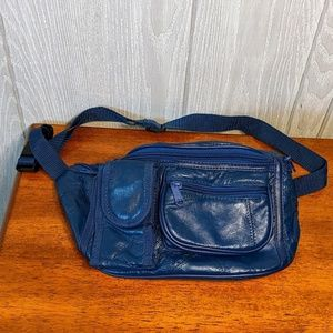 ☕Vtg EUC leather patchwork fanny pack